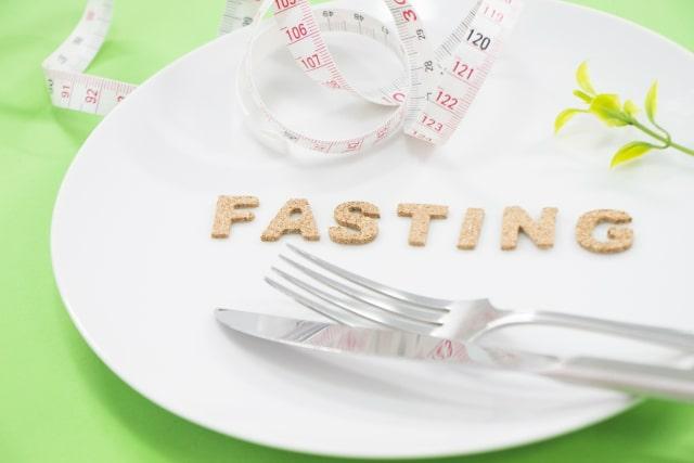 食べ過ぎ断食